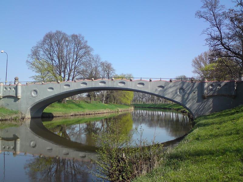 Most přes Labe, Plácka