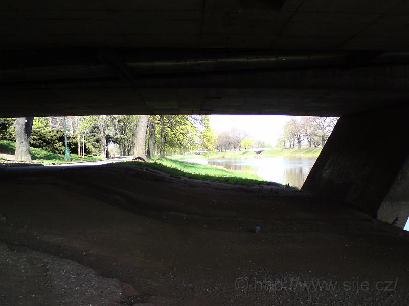 Pod Labským mostem