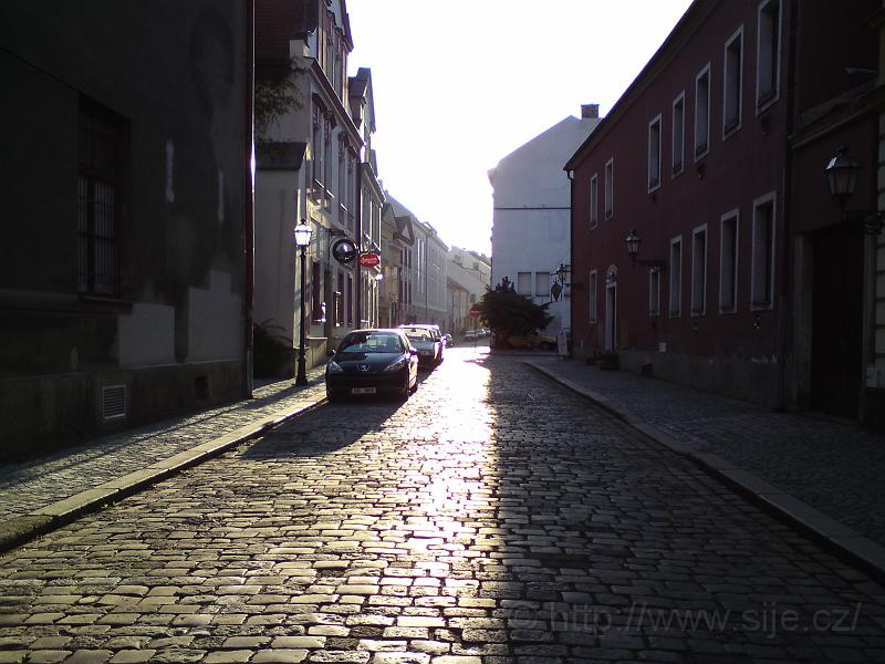 V ulici Dlouhá