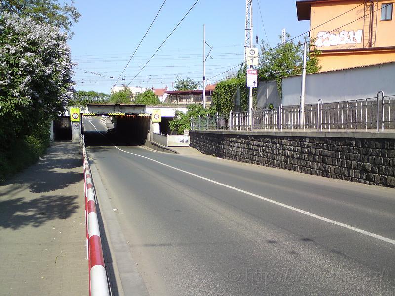 Podjezd Pražská/Gočárova