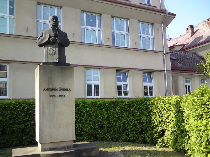 Antonín Švehla, památník