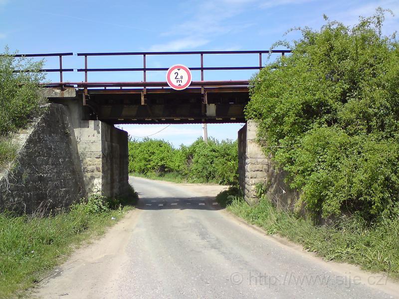 Železniční mostek