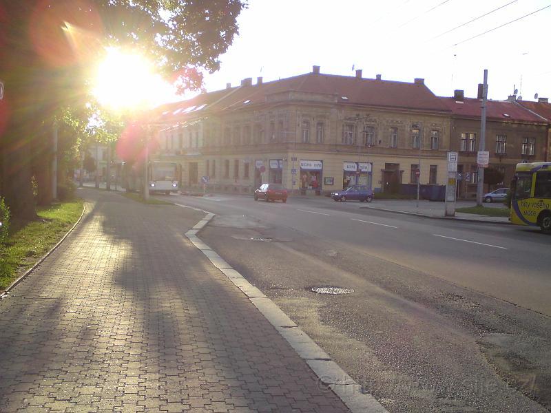Západ nad ulicí ČSA