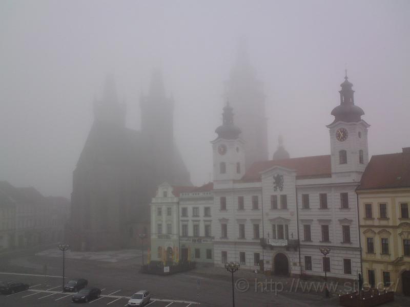 Mlha na Velkém náměstí
