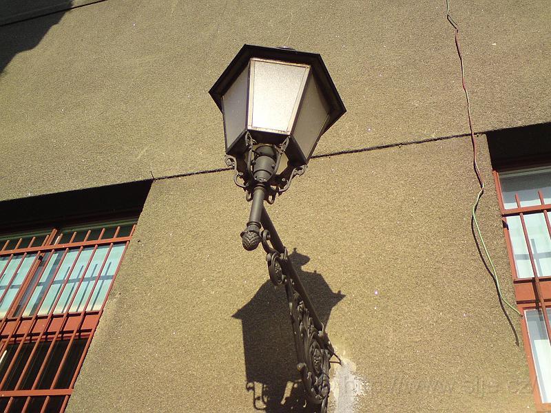 Lampa v ul. Radoušova