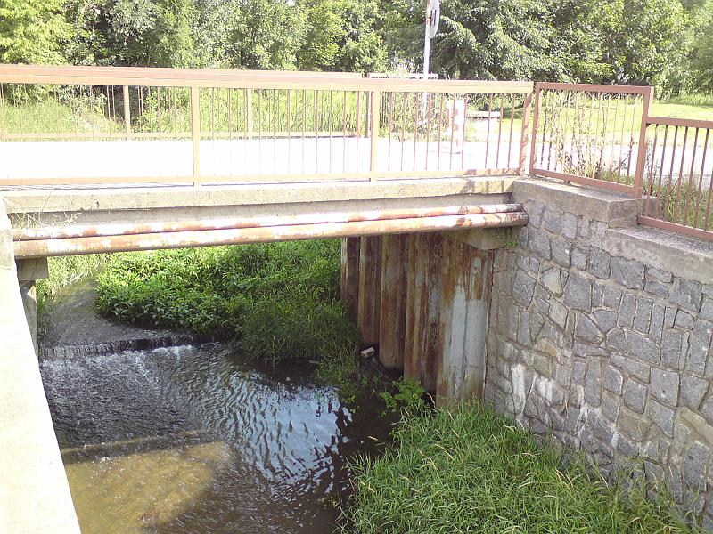 Mostek přes Labský náhon