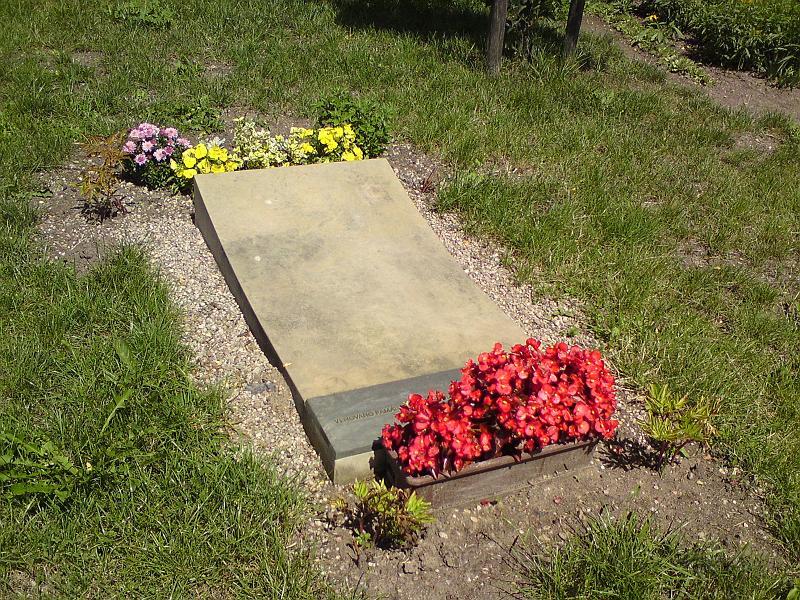 Pomník v Březhradě