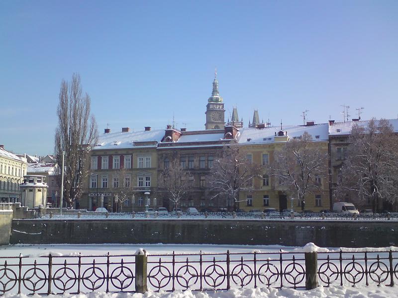 Bílá věž v bílém