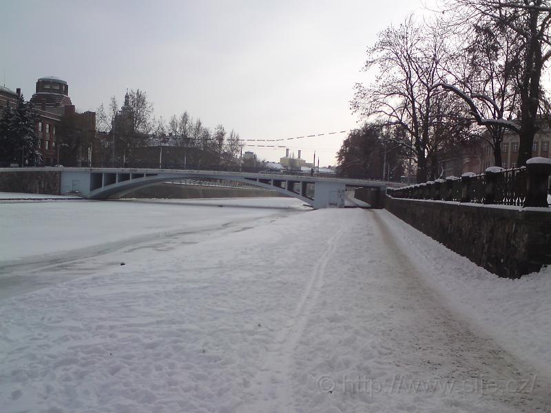 Zimní Smetanovo nábřeží