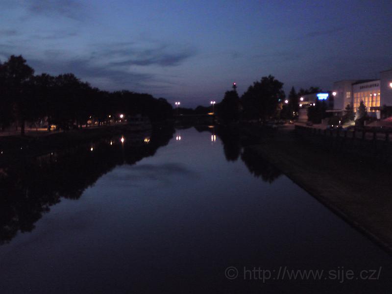 Městské lázně za setmění