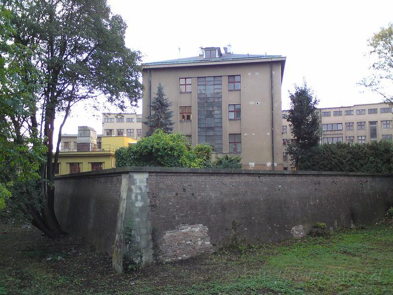 Ravelin, lomená hradba