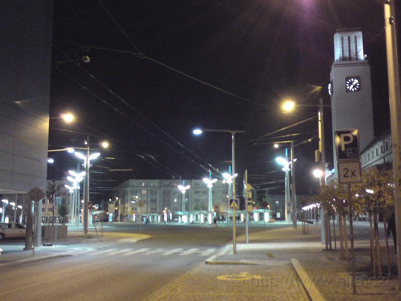 Hlavní nádraží za tmy
