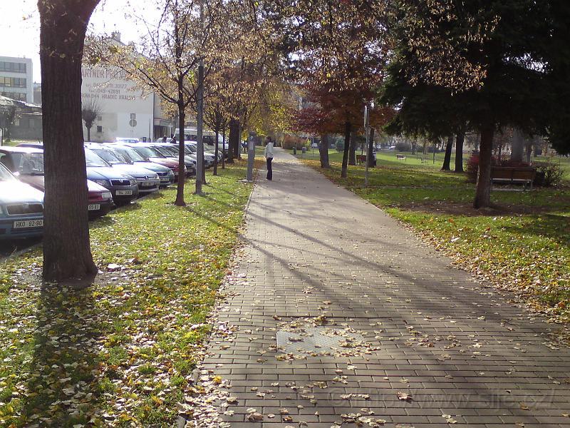 Chodník podél ul. Horova