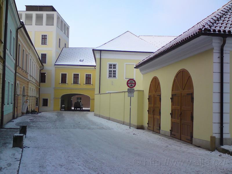 Zimní ulice K. Tomana