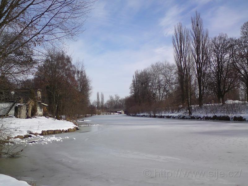 Zamrzlá řeka Orlice