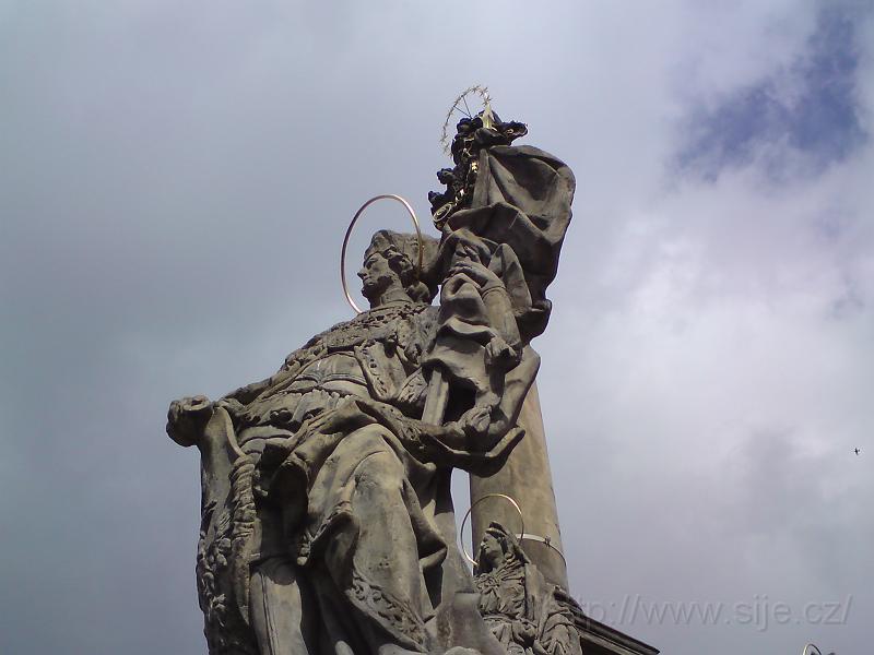 Mariánský sloup, socha