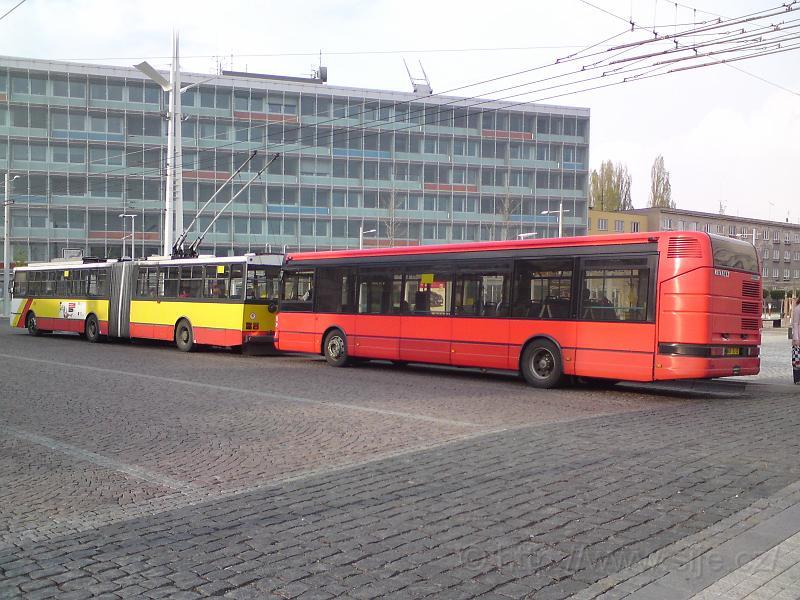 Trolejbus a autobus MHD